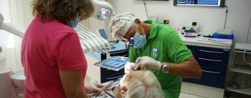 Dott. Riccardo Massa lavorazione su protesi fissa
