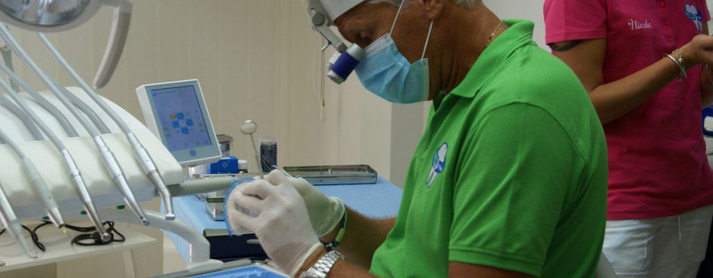 dott.Massa preparazione operazione ricostruzione incisivi